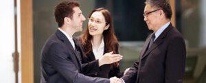Businessman handshake 1990x800 1 300x121 - ایجاد کسب و کار در صنعت گردشگری (قسمت اول)