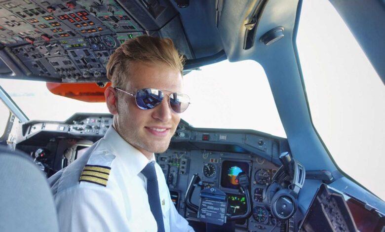 workday titel 1024x683 1 780x470 - شغل خلبانی هواپیما نیاز به چه مدارک و شرایطی دارد