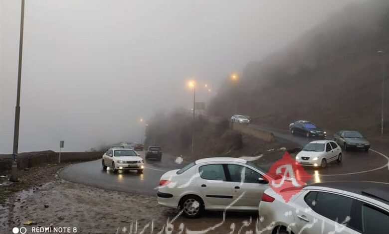 وضعیت راههای کشور| ترافیک سنگین در جاده چالوس/ تردد روان در محورهای هراز و فیروزکوه