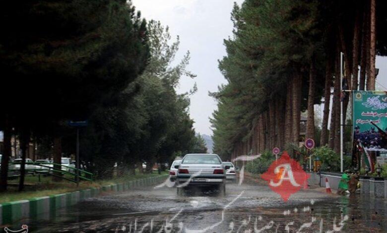 وضعیت راههای کشور| کاهش 14.4 درصدی تردد در جادههای کشور/ بارش باران در برخی محورهای برونشهری